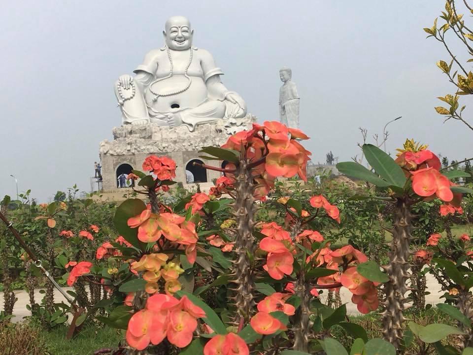 Tượng phật tại nghĩa trang Phú Thọ - Thiên Đức Vĩnh Hằng