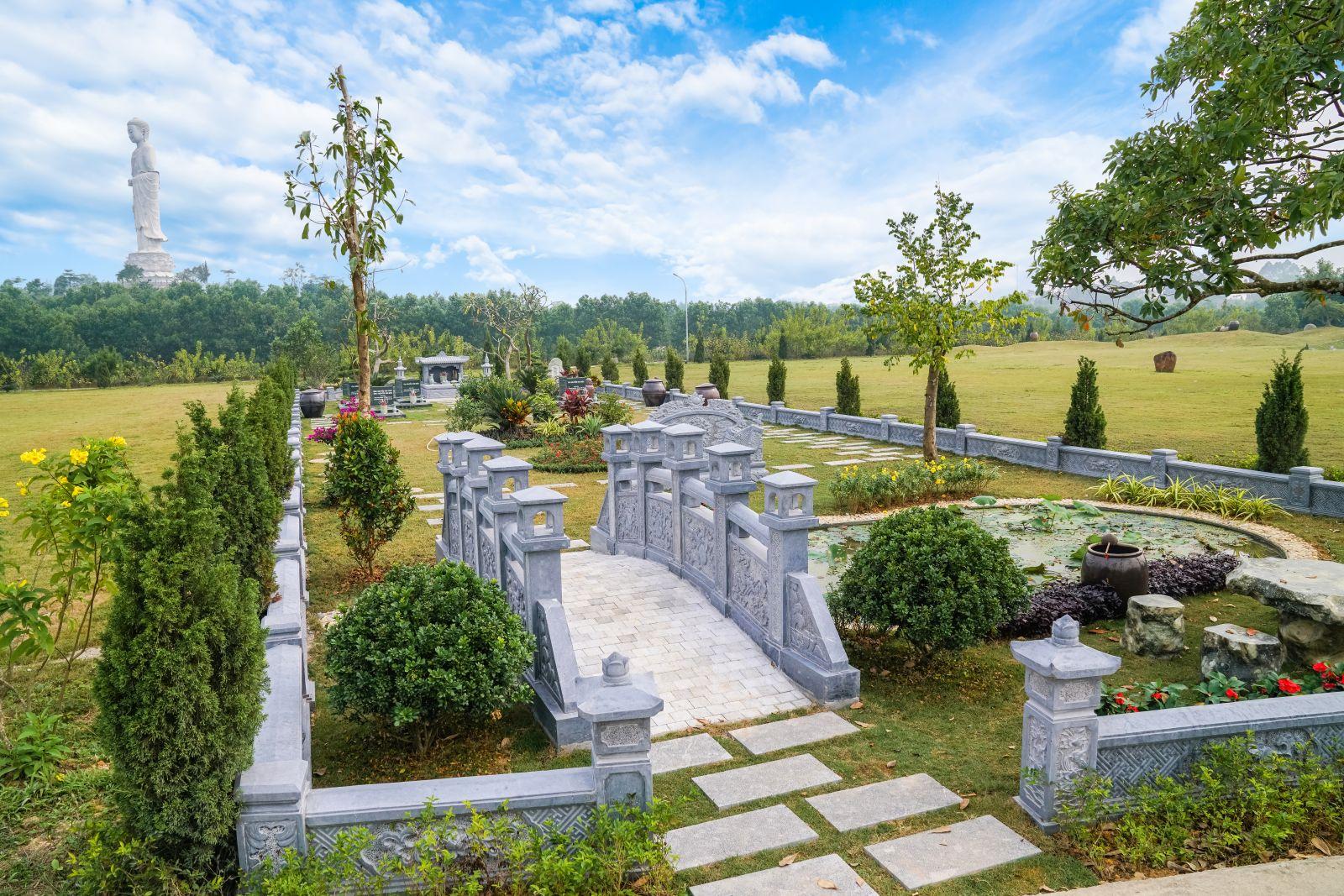 Tảo mộ cuối năm tại công viên Thiên Đức Vĩnh Hằng Viên