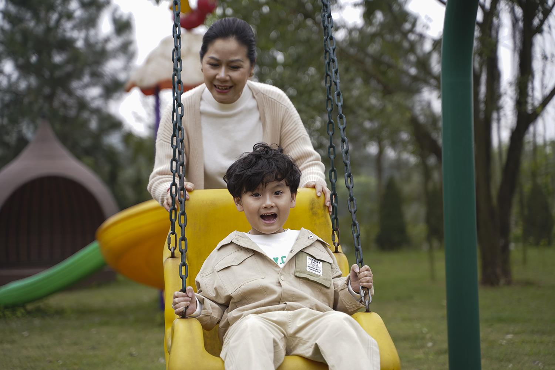 Khu vui chơi trẻ em tại công viên Thiên Đức